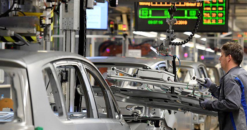 Volkswagen yatırım açıklamasını erteledi