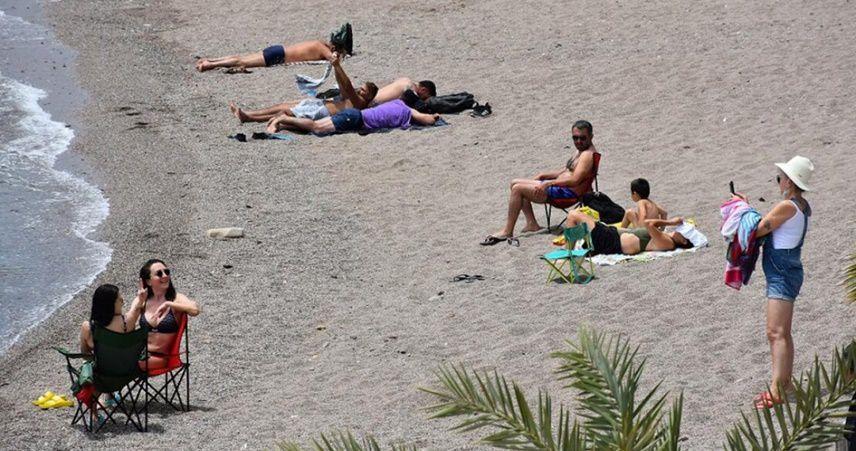 Marmaris'te turistler ve turizm çalışanları yasaklardan muaf