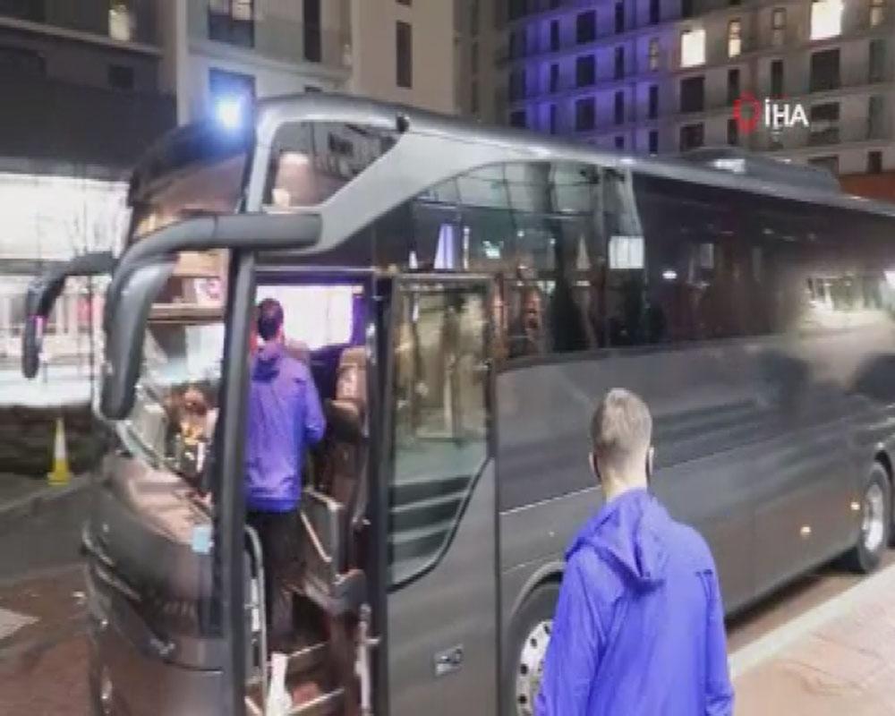 Medipol Başakşehir, Old Trafford'a gitmek için otelden ayrıldı
