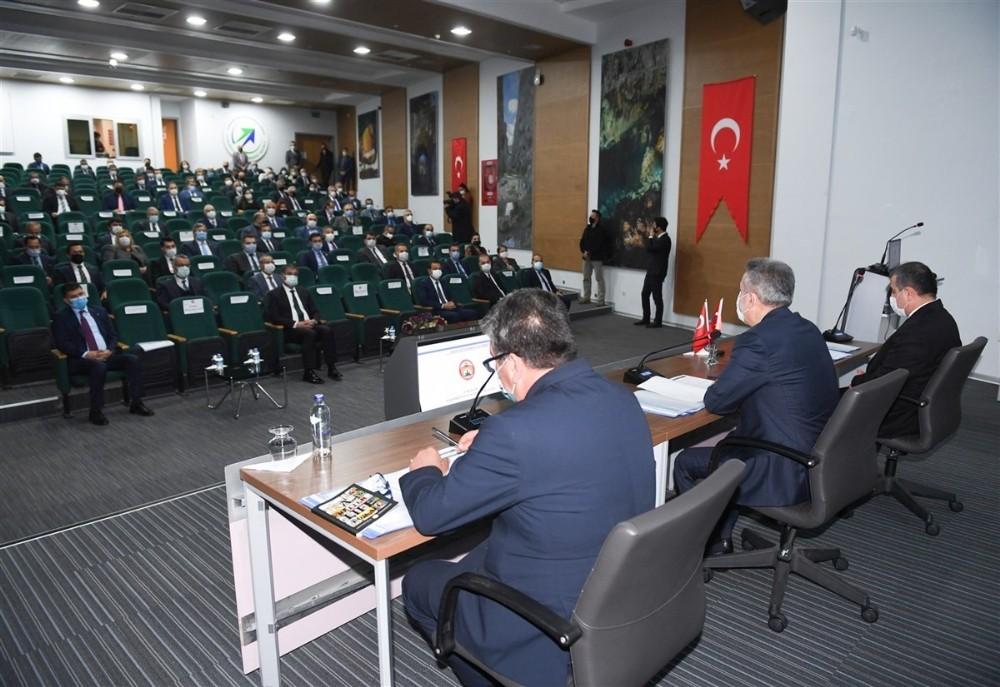 Adana'da 420 projeden 135'i tamamlandı