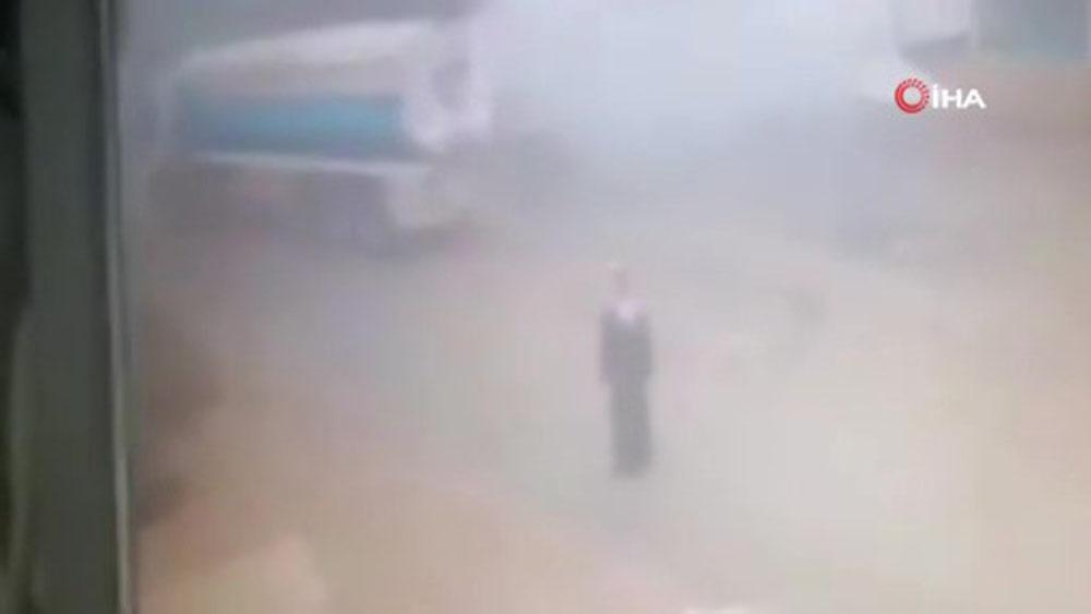 Mısır'da petrol tankeri patladı: 1 ölü
