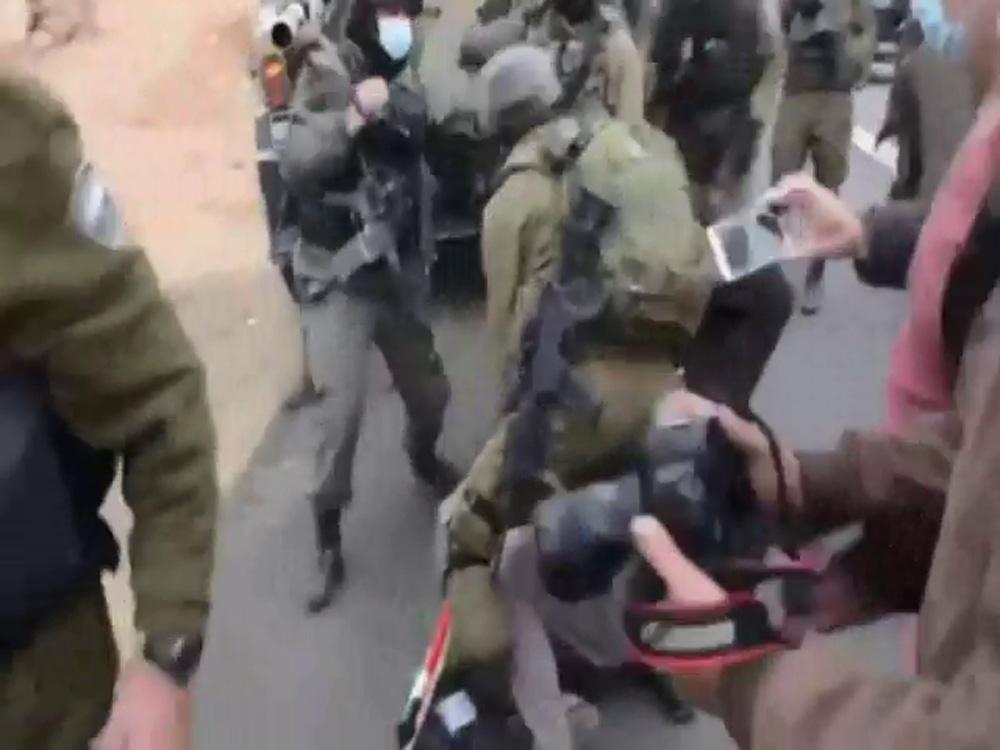İsrail askerleri 72 yaşındaki Filistinli adama saldırdı
