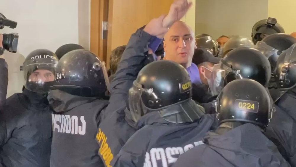 Gürcistan'da ana muhalefet partisinin başkanı tutuklandı