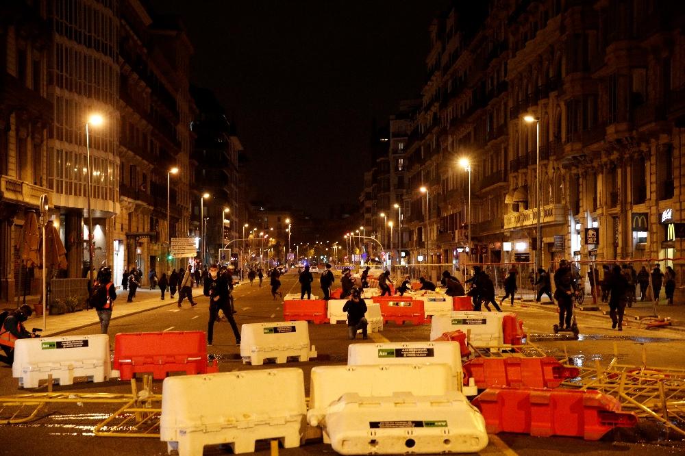 İspanya'da rapçi Hasel protestolarında en az 10 kişi gözaltına alındı