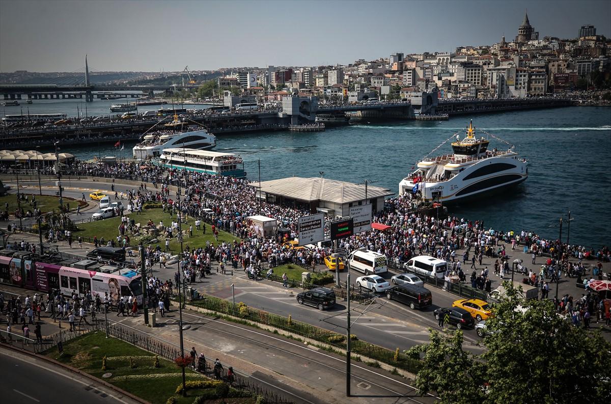 Ramazan Bayramın'da Galata da ilgi çeken semtlerin başında geldi.