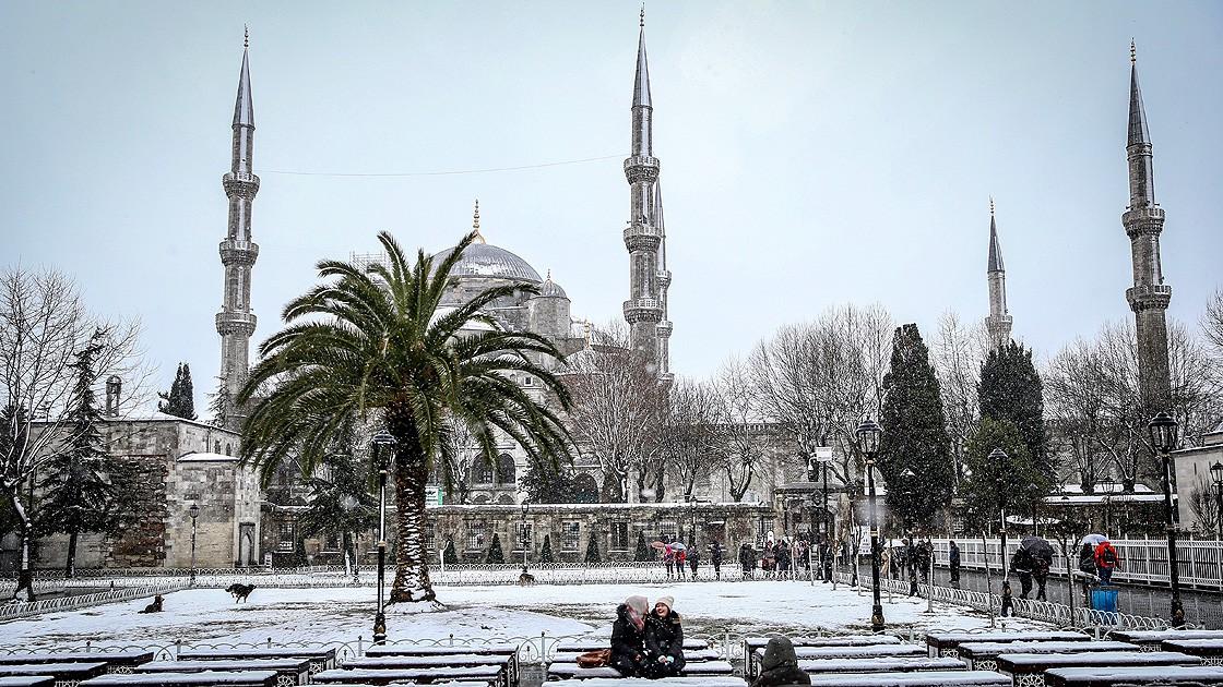 15 milyon nüfusuyla Avrupa'nın en büyük şehri İstanbul, 8,6 puanla kıtanın en misafirperver metropol kenti olarak belirlendi.