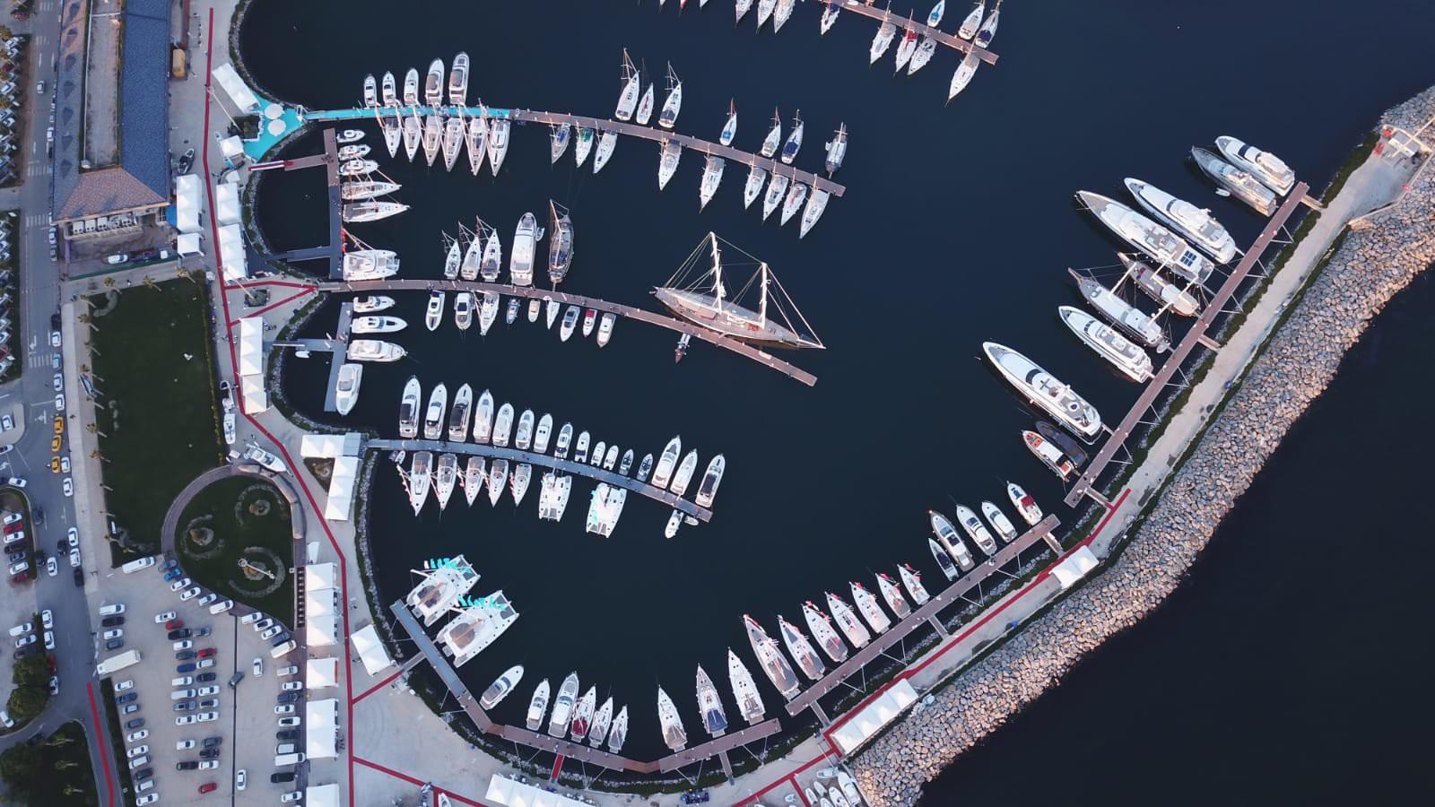 Viaport Marina'da gün boyu alışveriş, Tema park eğlencesi, Akvaryum macerası, sinema ve benzeri birçok etkinliği bir arada sunuluyor. (Fotoğraf: İstanbul Tuzla Viaport)