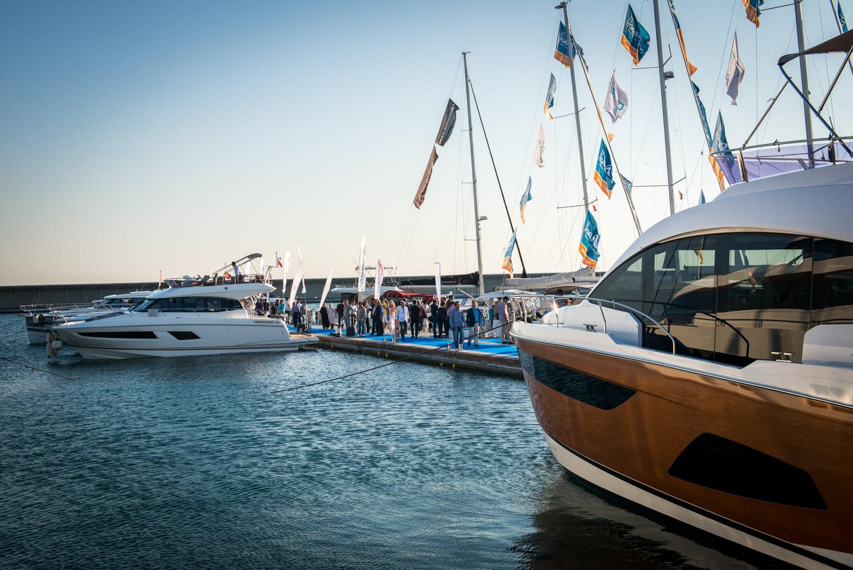 İstanbul Ataköy Marina da özel bir mekan. Burada tekne onarım bölümü de var. Şehir içinde olduğu için buradaki mekanlara İstanbullu müdavimler akın ediyor. (Fotoğraf: İstanbul Ataköy Marina)