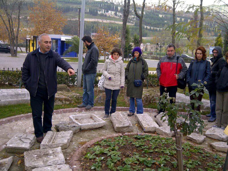 Bugün, belirli aralıklarla Kağıthane Belediyesi Basın Danışmanı ve kitabın ortaya çıkmasını sağlayan araştırmacı yazar Hüseyin Irmak liderliğinde demiryolunun izlerinin arandığı grup gezileri düzenleniyor.