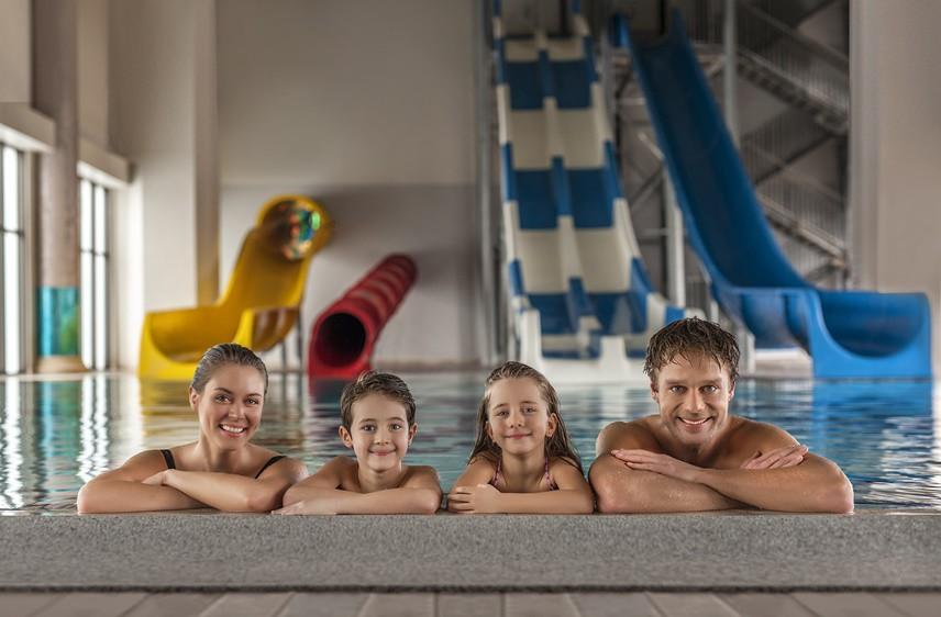 AFYON'DA KAPLICA KEYFİ havaların soğumaya başladığını düşünürsek kaplıca tatilleri ve çocukların da girebilecekleri kapalı havuzlu tesisler eğlenceli olabilir.