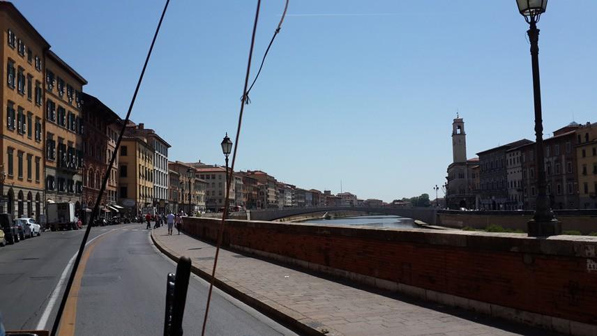 UNESCO DÜNYA MİRASI  Bulunduğu meydan ile birlikte Pisa Kulesi de UNESCO Dünya Mirası ilan edilmiş.