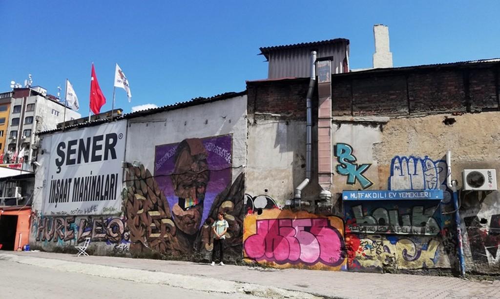 Yenikapı-Hacıosman metrosunun bir durağı olan Haliç'de bu bölgeye ulaşımı artırdı.