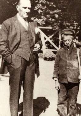 23 Nisan günü, dünyada çocuklara adanan ilk ve tek resmi bayramdır.