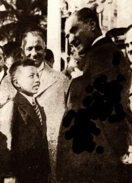 Mustafa Kemal Atatürk'ün çocukları çok sevmesinin bayramı onlara armağan etmesinde büyük rolü vardır.