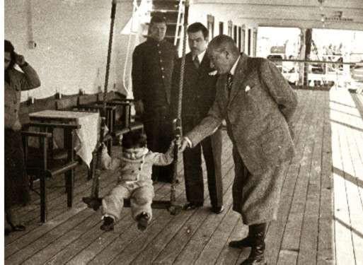 Atatürk, çocukları unutmadığı gibi; çocukları da onu bu bayram sayesinde hiç unutmayacak.