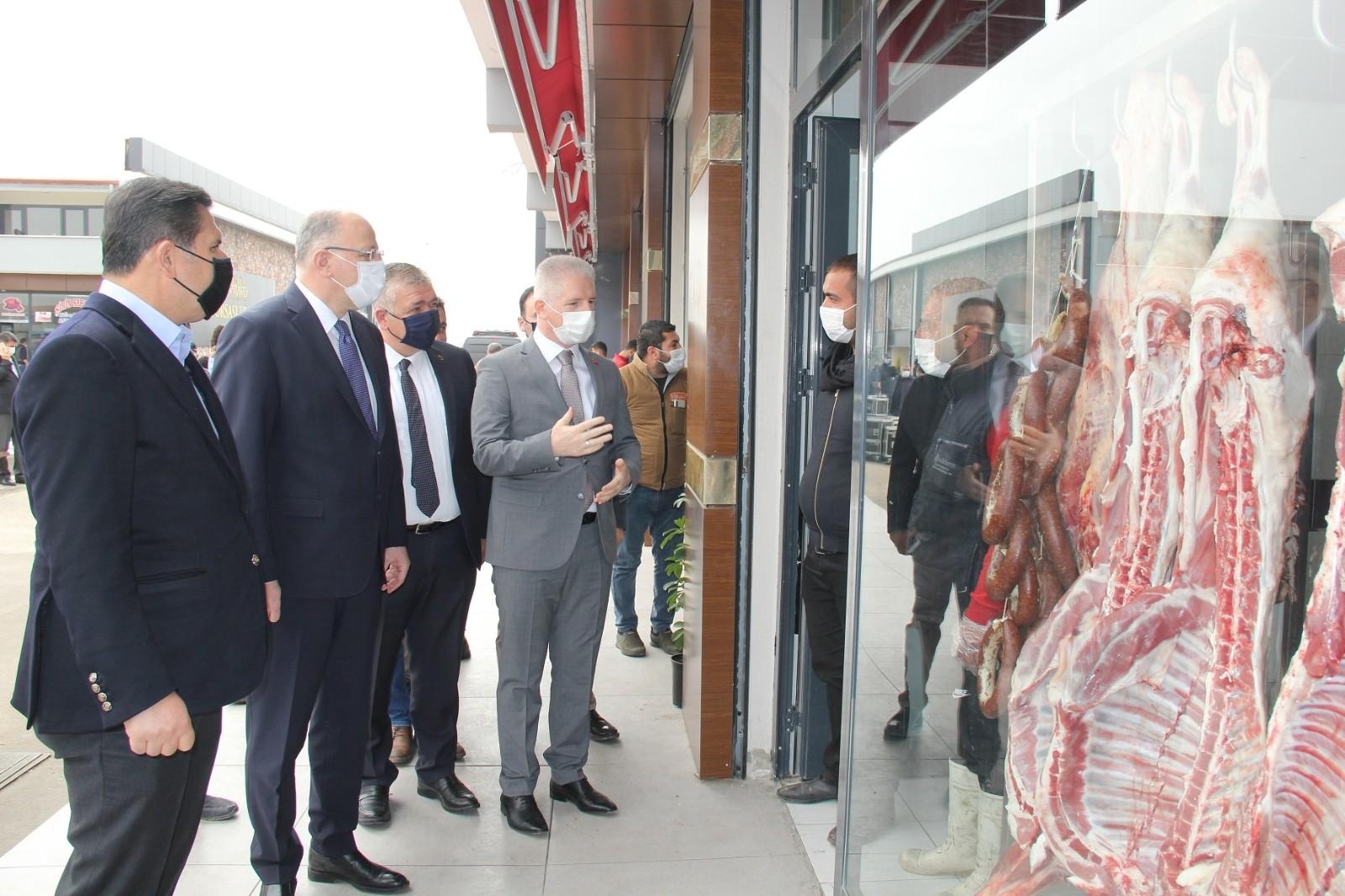 Vali Gül ve Milletvekili Koçer, et borsası ve et halini inceledi