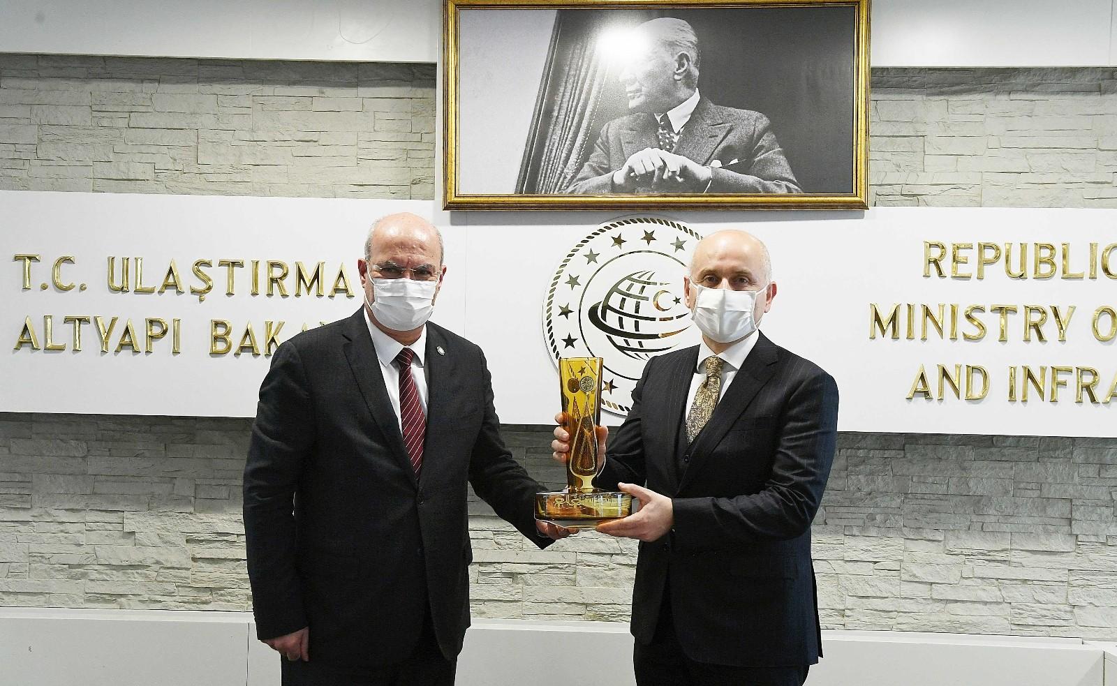 ATO heyetinden Bakan Karaismailoğlu'na ziyaret
