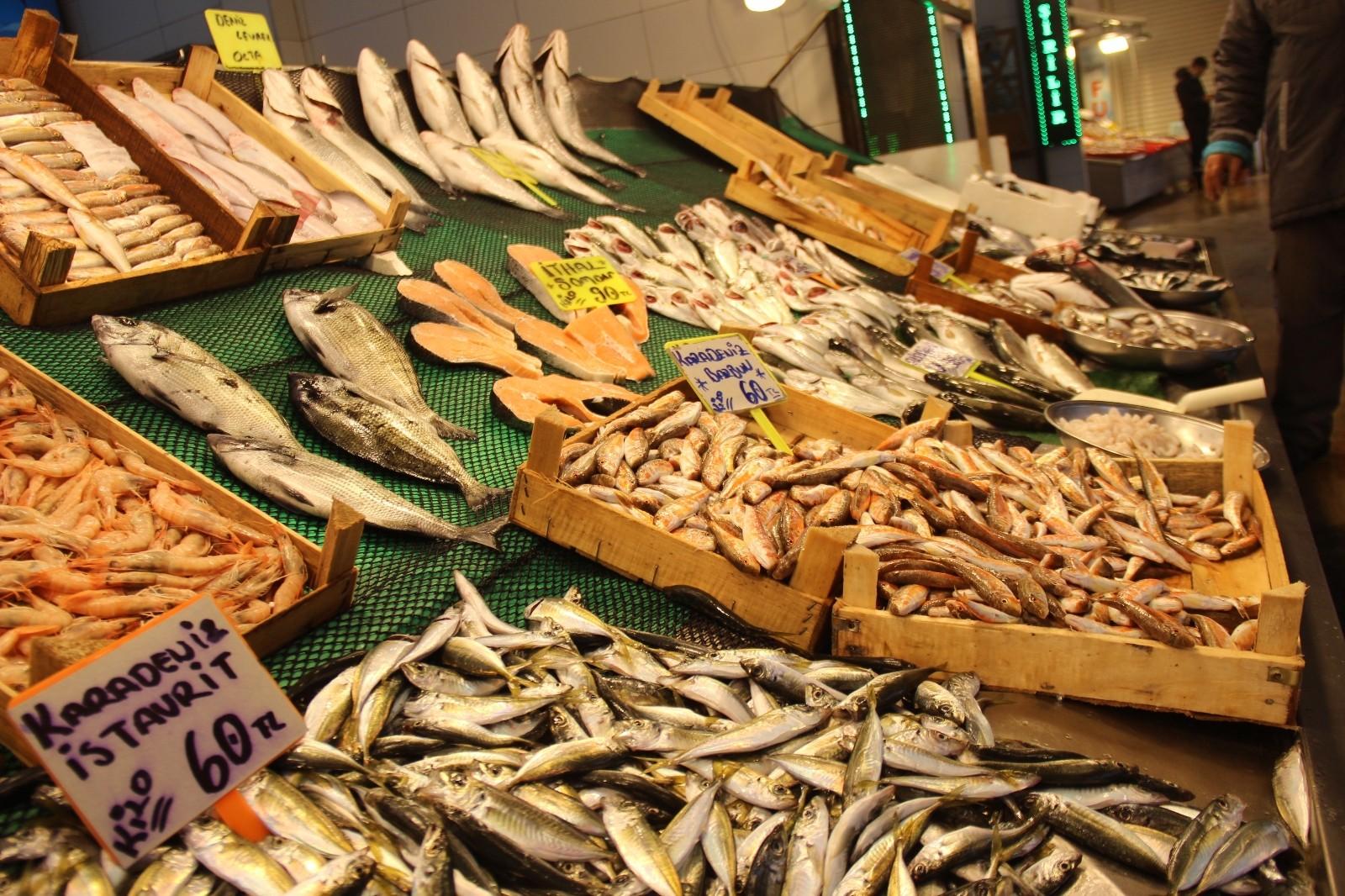 Tezgahlarda 7 gün sonra daha canlı ve daha ucuz balıklar satışa sunulacak