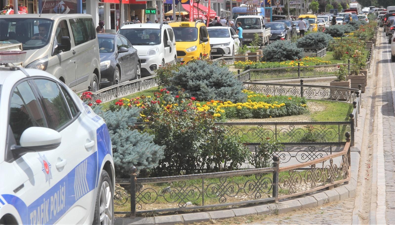 Bayburt'ta trafiğe kayıtlı araç sayısı 16 bin 75 oldu