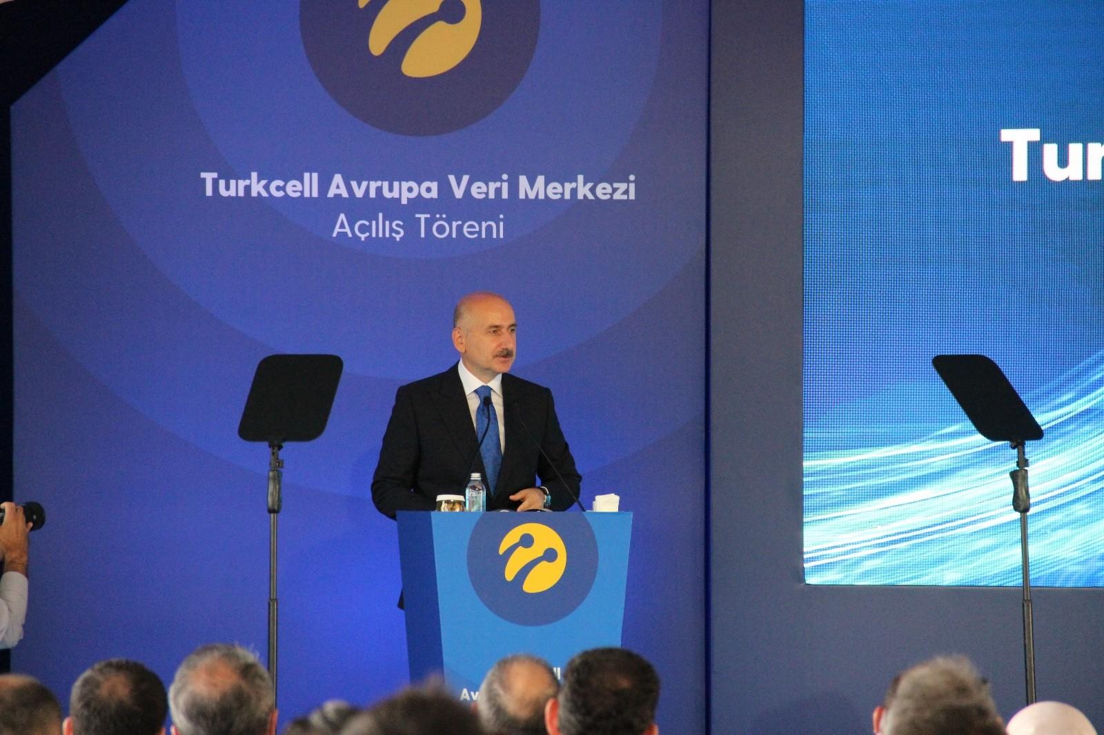 Bakan Karaismailoğlu: ''5G teknolojisine yerli ve millî imkânlarla geçmeye emin adımlarla ilerliyoru