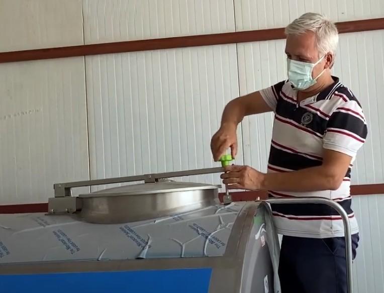 Döşemealtılı besicilere süt tankı hibe edildi