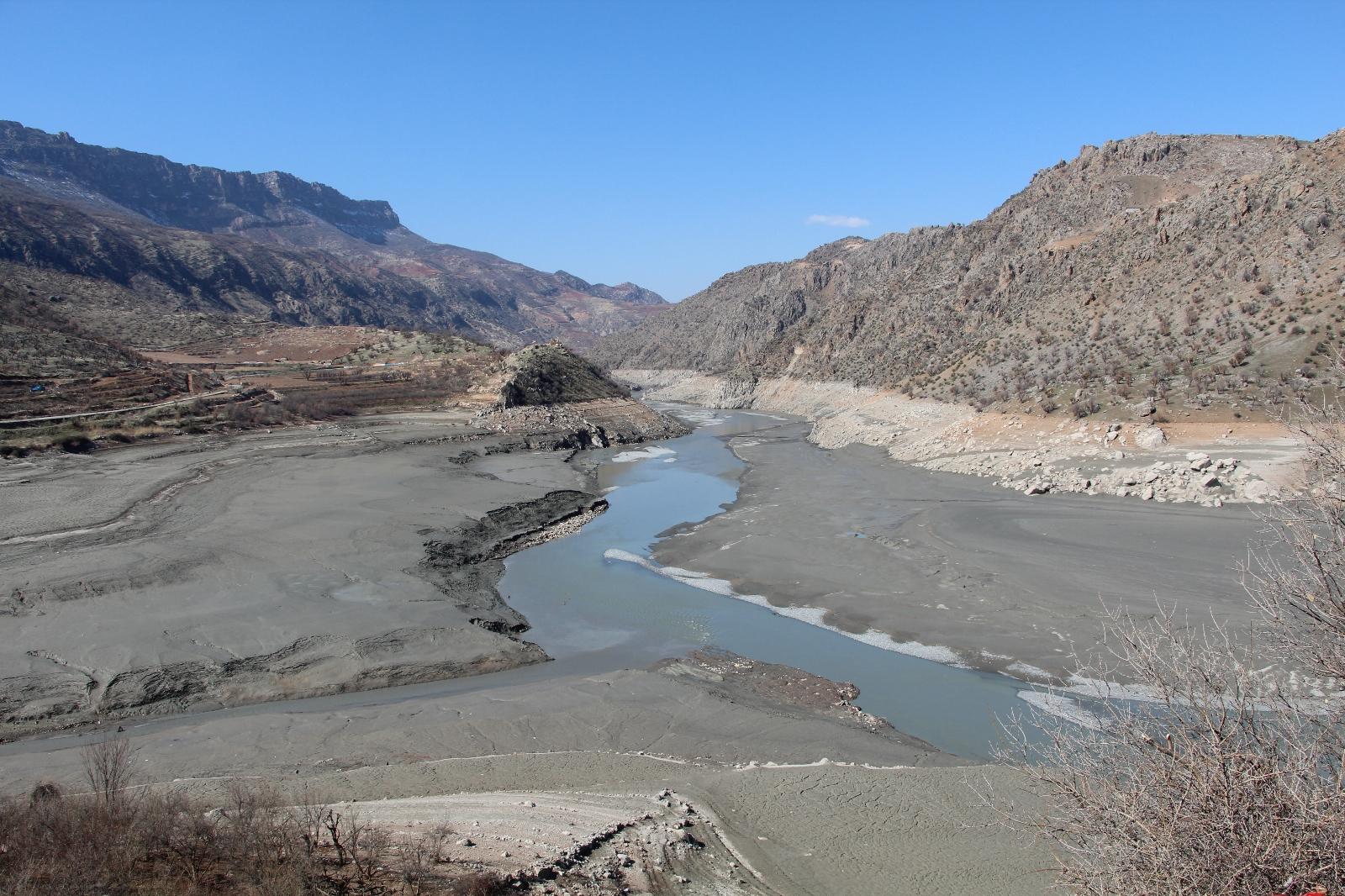 Siirt'te barajlardaki su seviyesi düştü, tahıl ürünlerinde rekolte kaybı yaşandı